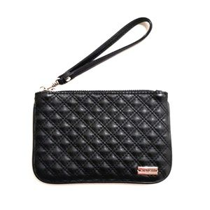 EXPRESS (minus the) Leather Quilted Wristlet